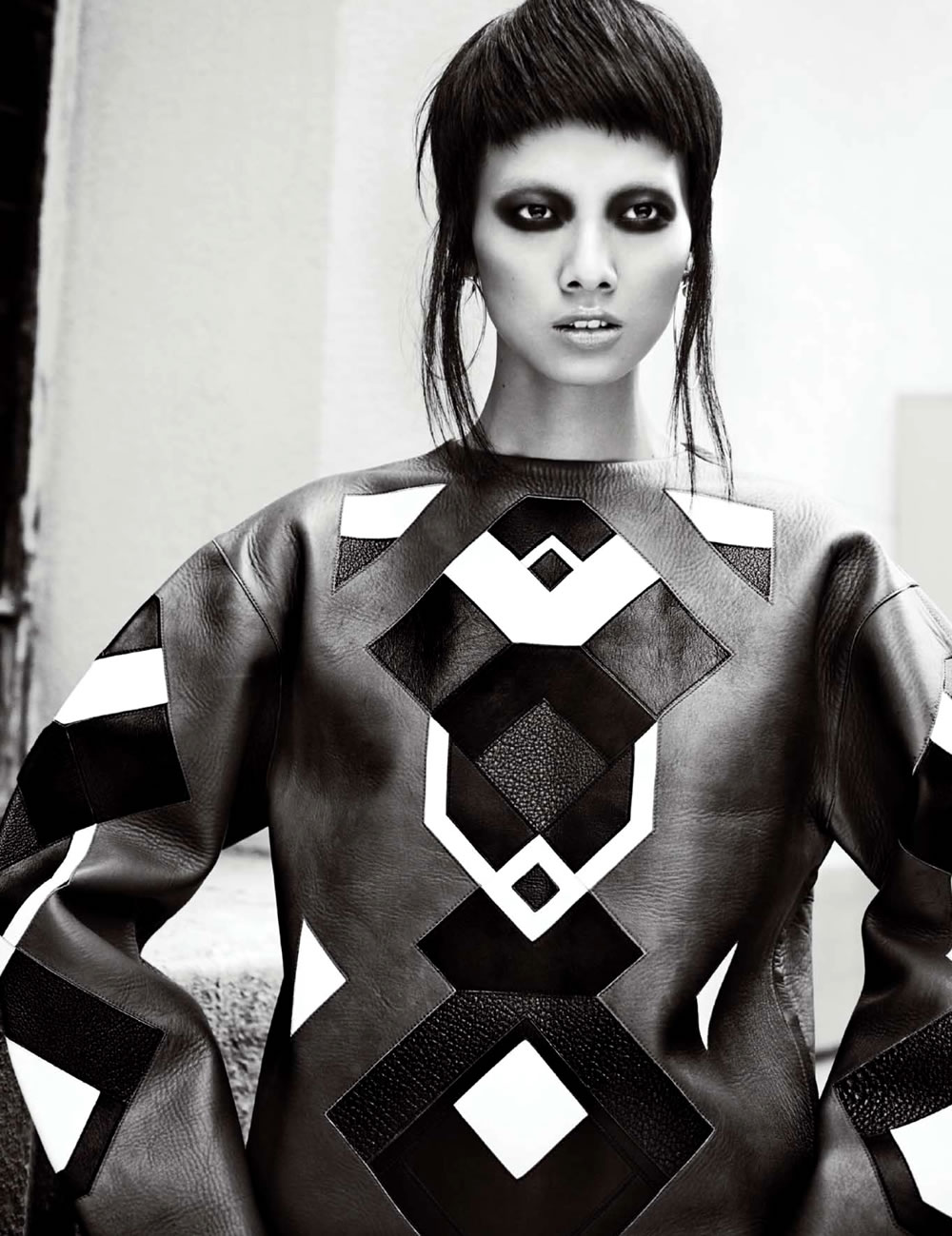 beijing-eye-photographer-china-fashion-trunk-xu-grace-gao-numero-november025_